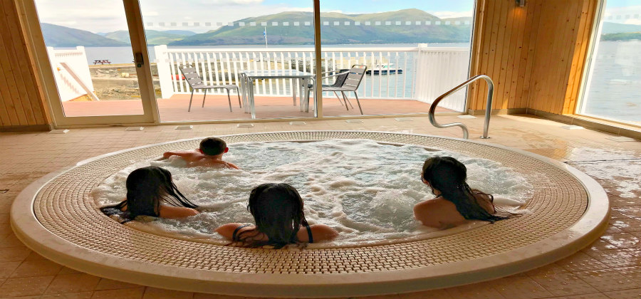 hot tub with peopleIMG_2631 900x420.jpg